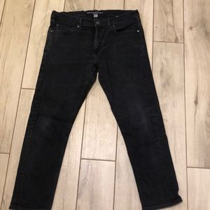 Great condition 35x30 black skinny jeans BR